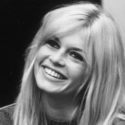 Wczoraj miała 80 urodziny Brigitte Bardot http://kultura.newsweek.pl/brigitte-bardot--james-bond-z-cyckami,106389,1,1.html - brigitte-bardot-9198860-2-402