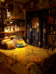 Barefoot Justine's Indian bed!